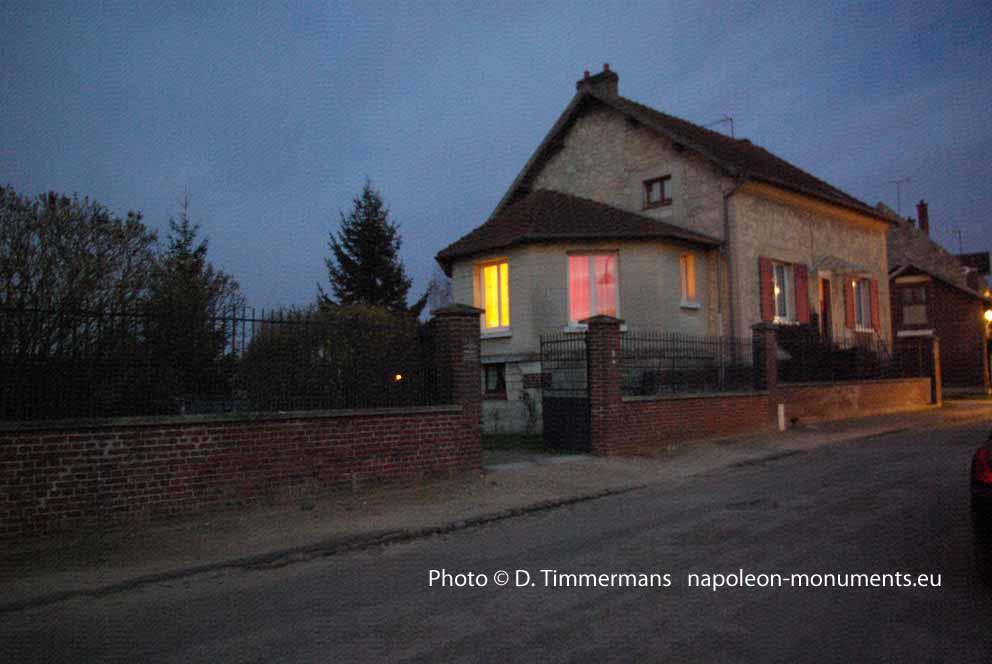 http://napoleon-monuments.eu/Napoleon1er/images/02ChavignonQGNap.jpg