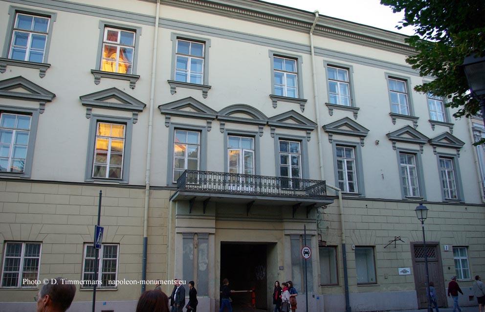 Vilnius, place de l hôtel de ville, Didzioji 7, ancien palais Pacas où  eurent lieux des réceptions en l honneur de Napoléon et du maréchal Murat. c726063e1a4